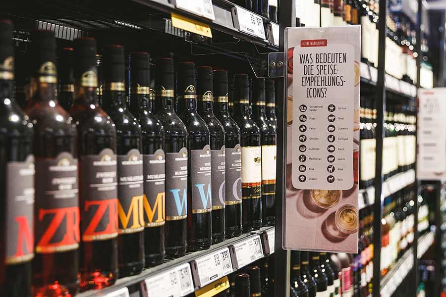 Wein und sonstige Getränke im REWE Roth in Stuttgart